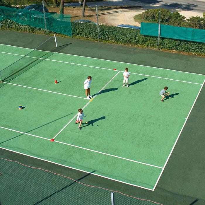 Mini Tennis à Quehan.